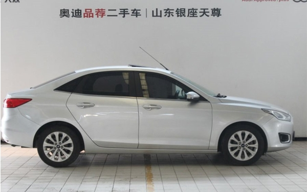Used Fu Ruisi 2015 1.5L manual fashion